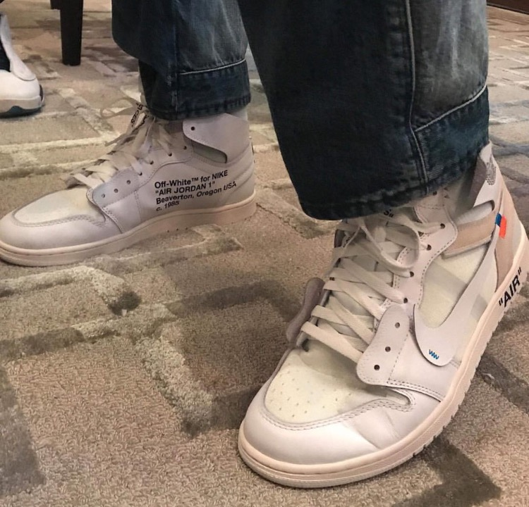 オフ ホワイト エア ジョーダン1 2018